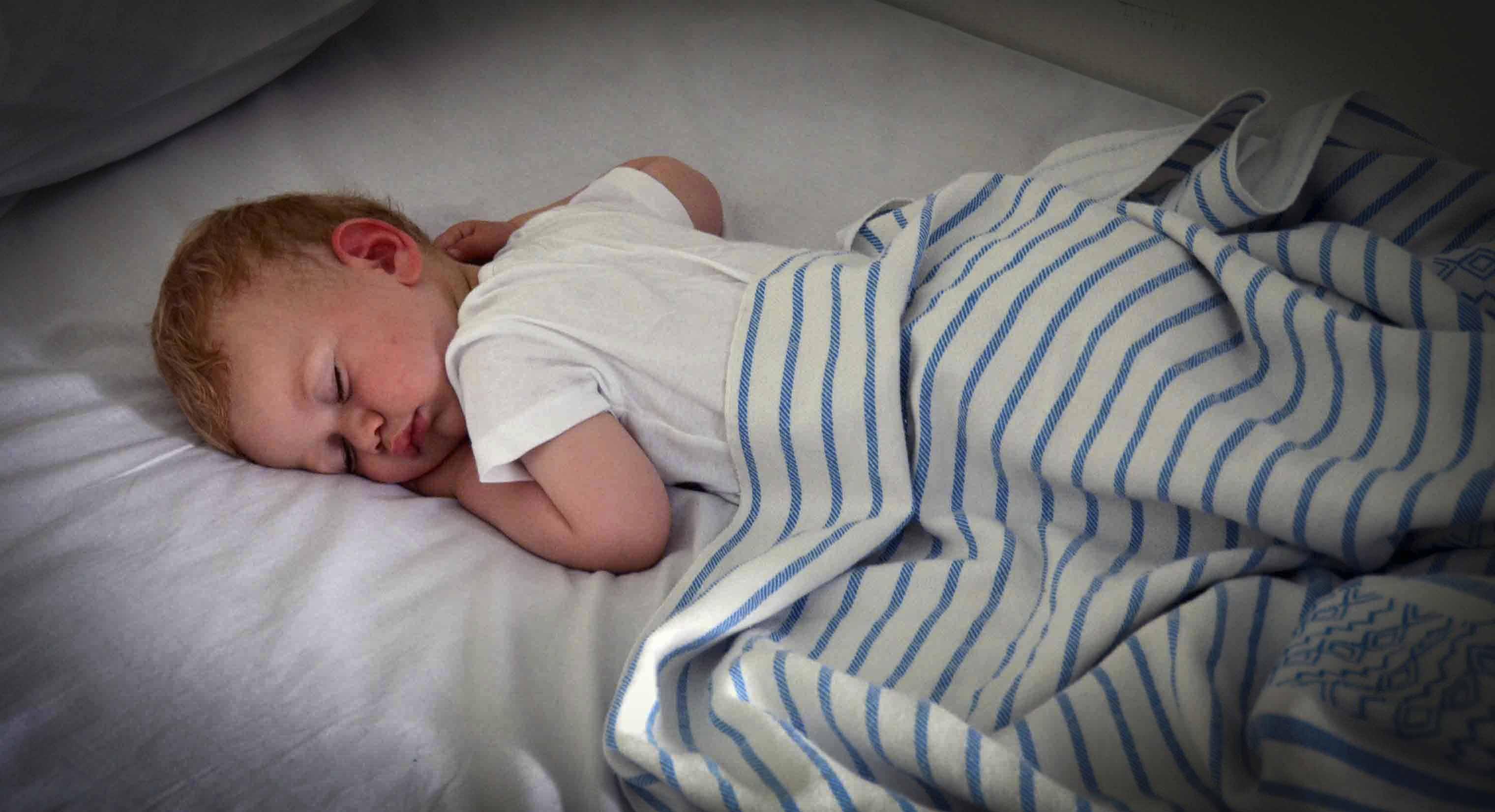 Le sommeil de bébé. Comment l'aider à faire ses nuits?