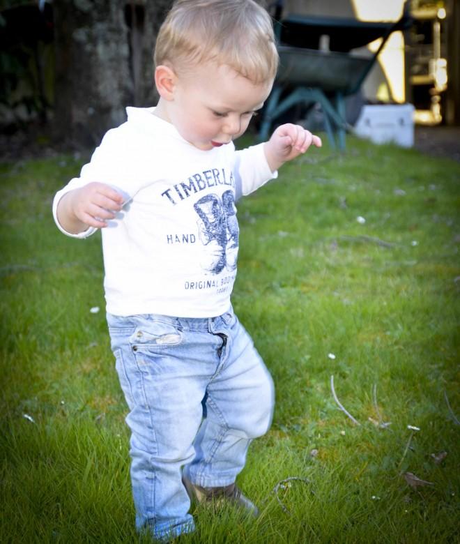 Comment aider bébé à faire ses premiers pas ?