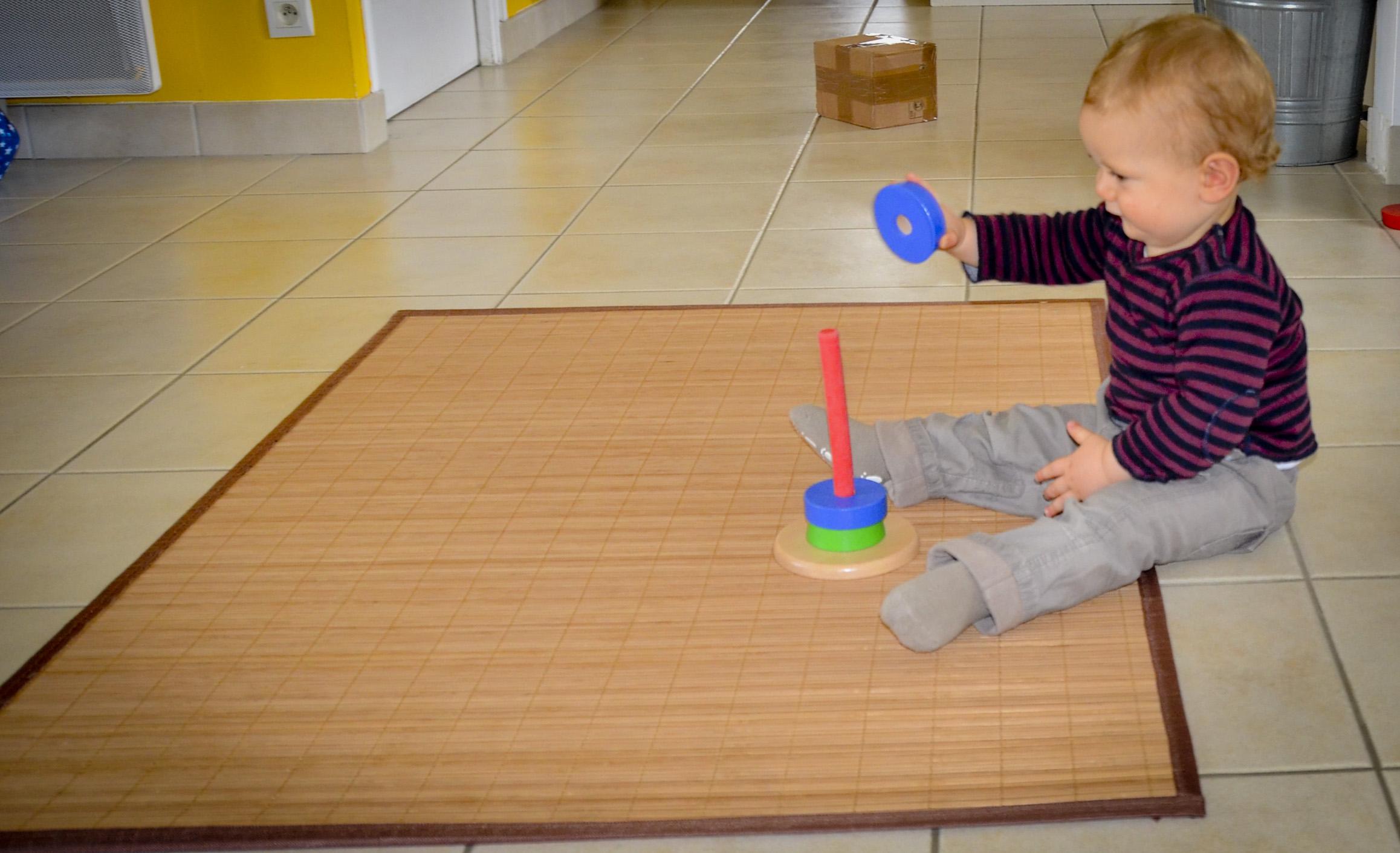 jeux montessori 6 - 12 mois