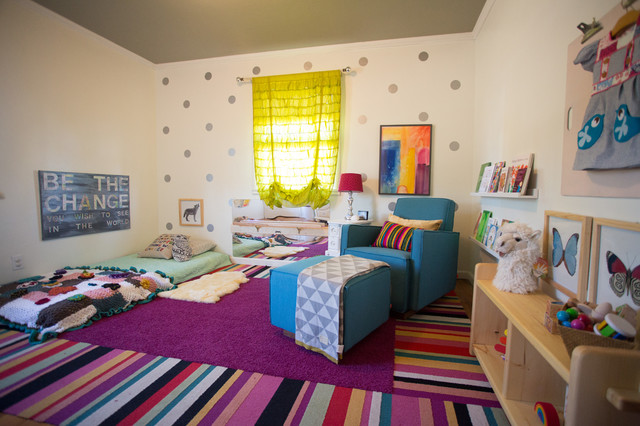 Exemple de chambre montessori en photo for Lit montessori