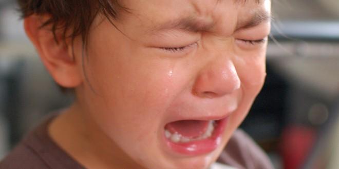 garçonnet pleure