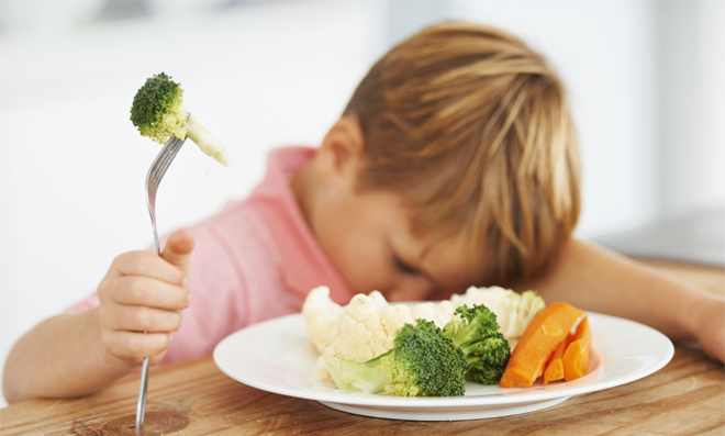 Enfant difficile à table. Comment lui faire aimer les légumes