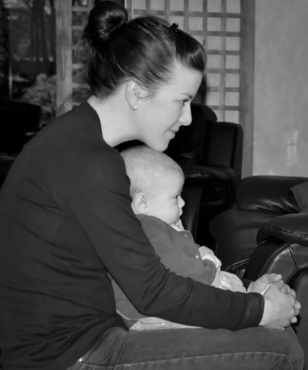 calin bébé et maman