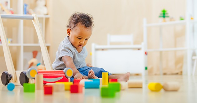 enfant-1-an-joue