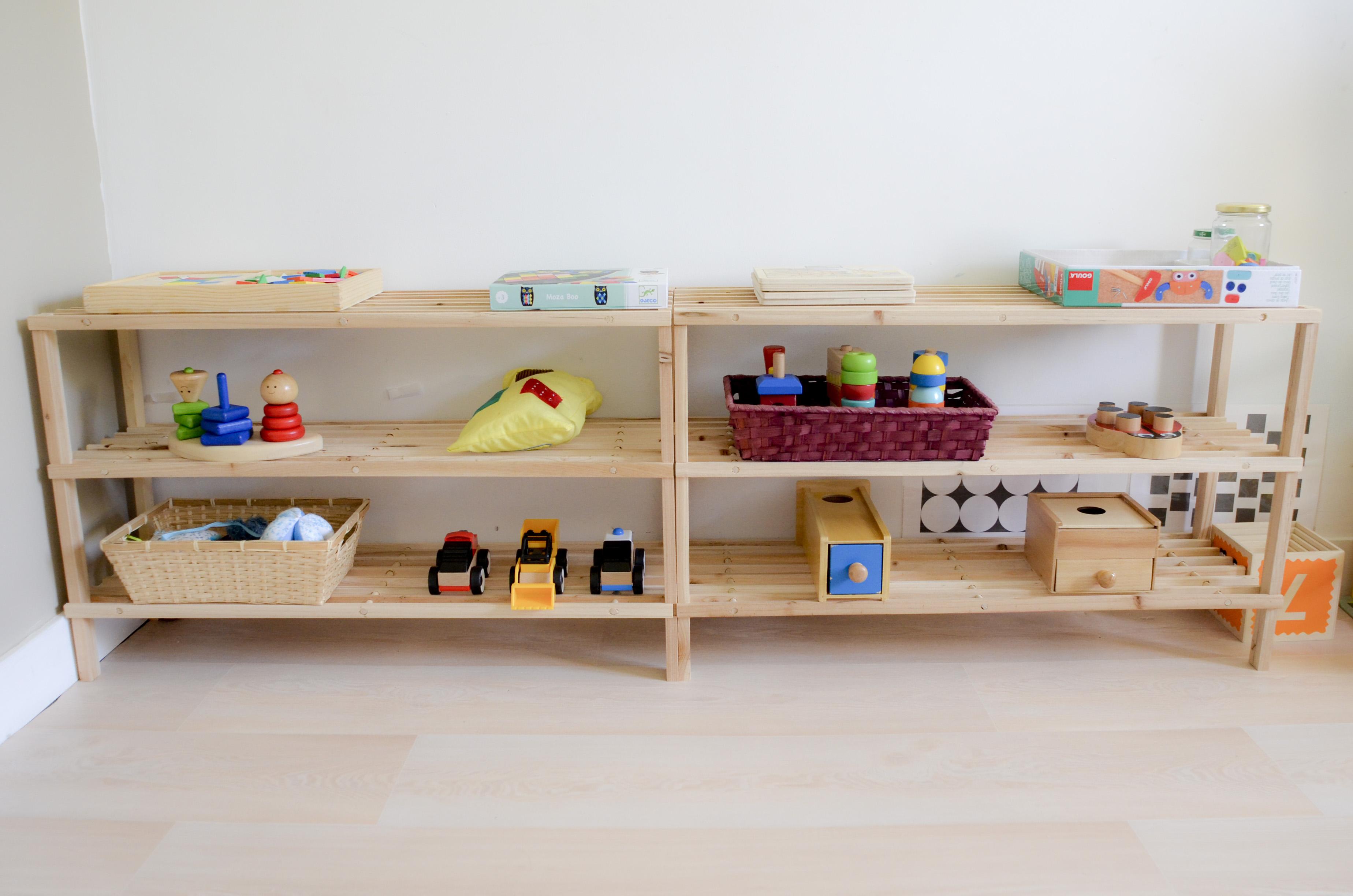 am nager l 39 espace jeux montessori avec plusieurs enfants. Black Bedroom Furniture Sets. Home Design Ideas