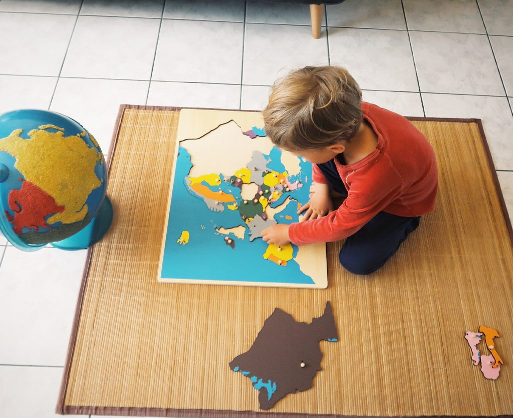 puzzle géographique montessori