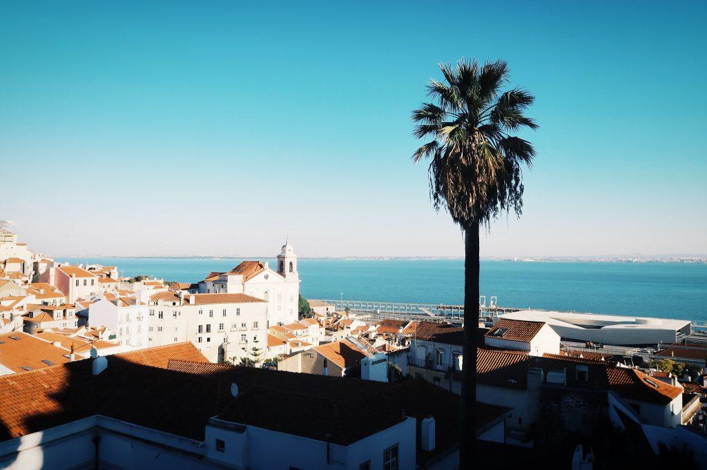 Vue splendide depuis la place Santa Luzia