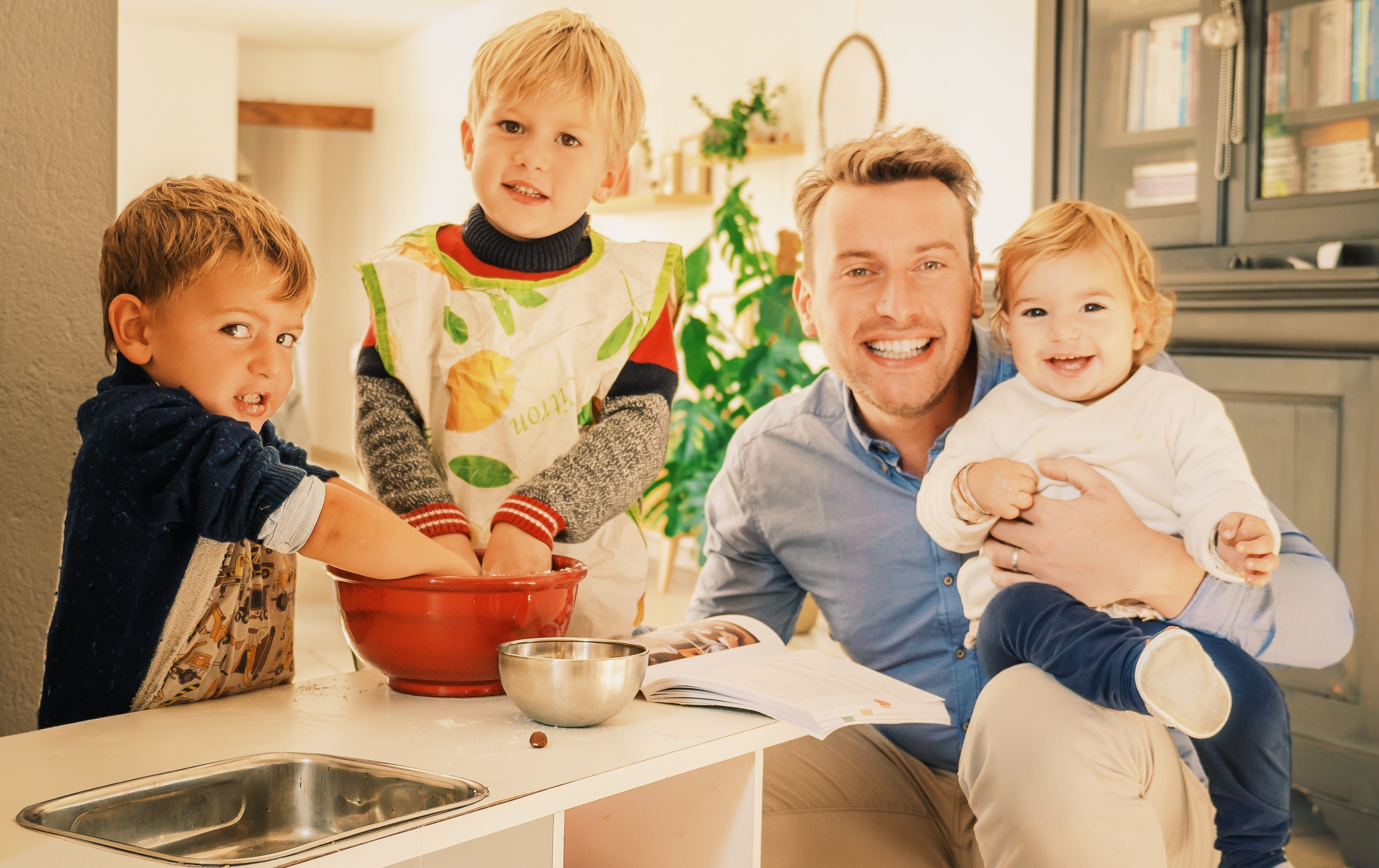 cuisiner avec les enfants famille epanouie. Black Bedroom Furniture Sets. Home Design Ideas