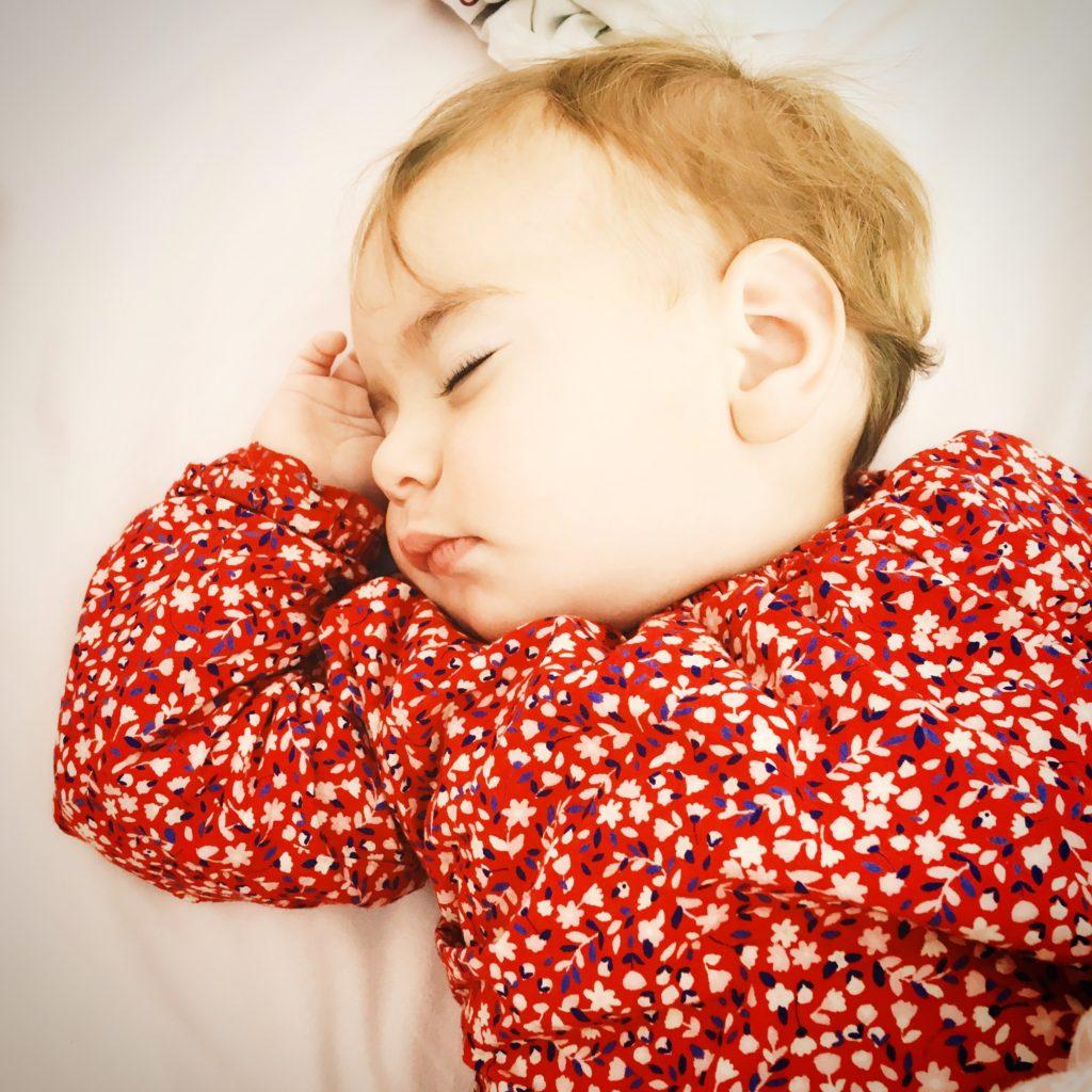Le sommeil de l'Enfant avec constance