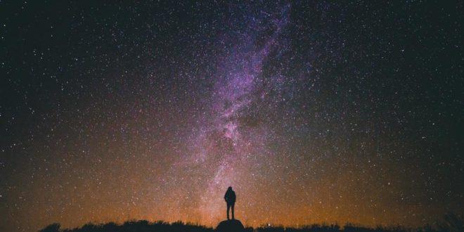 Etre heureux en se connectant à l'infiniment grand